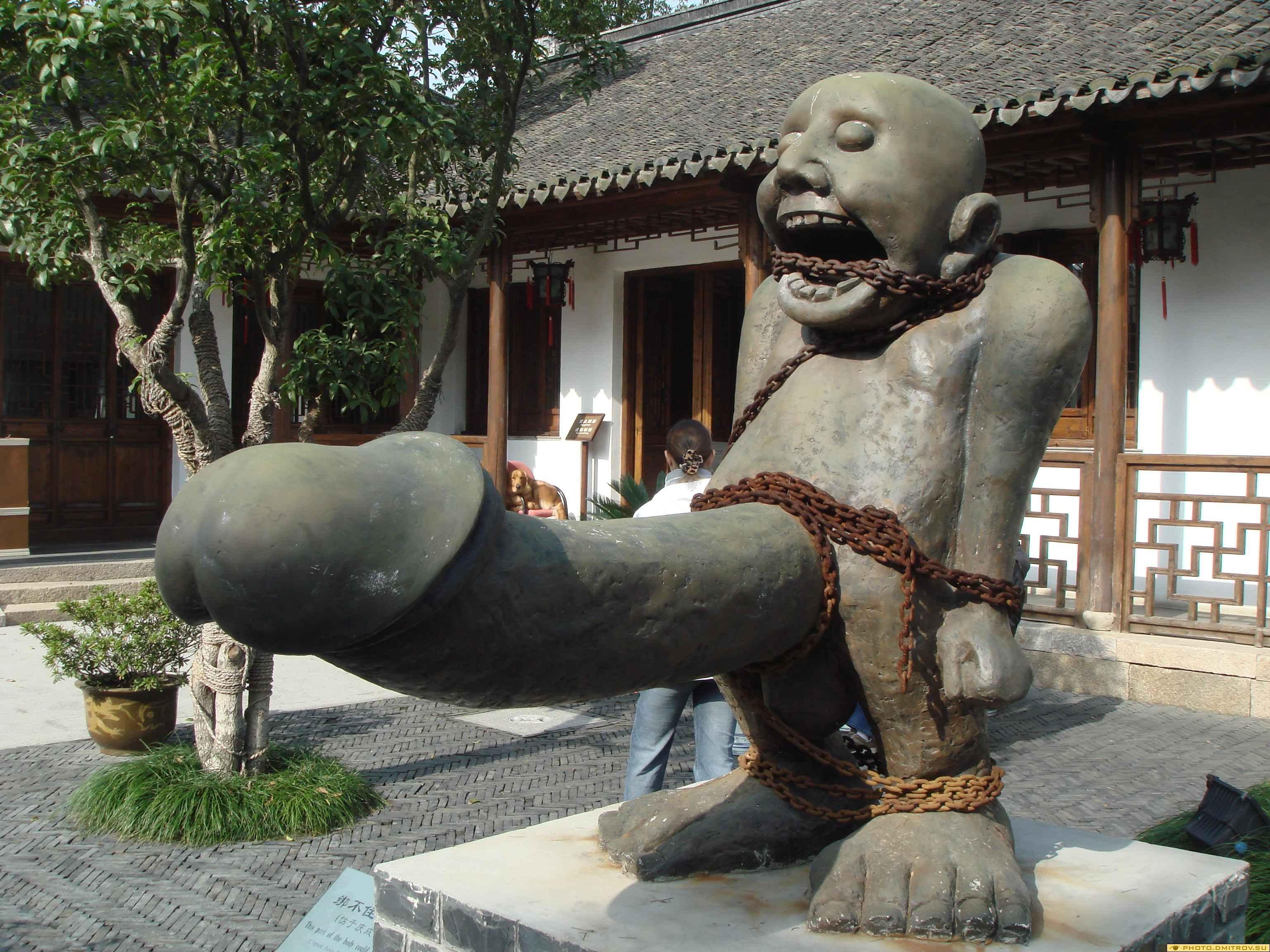 Из истории садо-мазо- прикол, статуи. из истории садо-мазо.