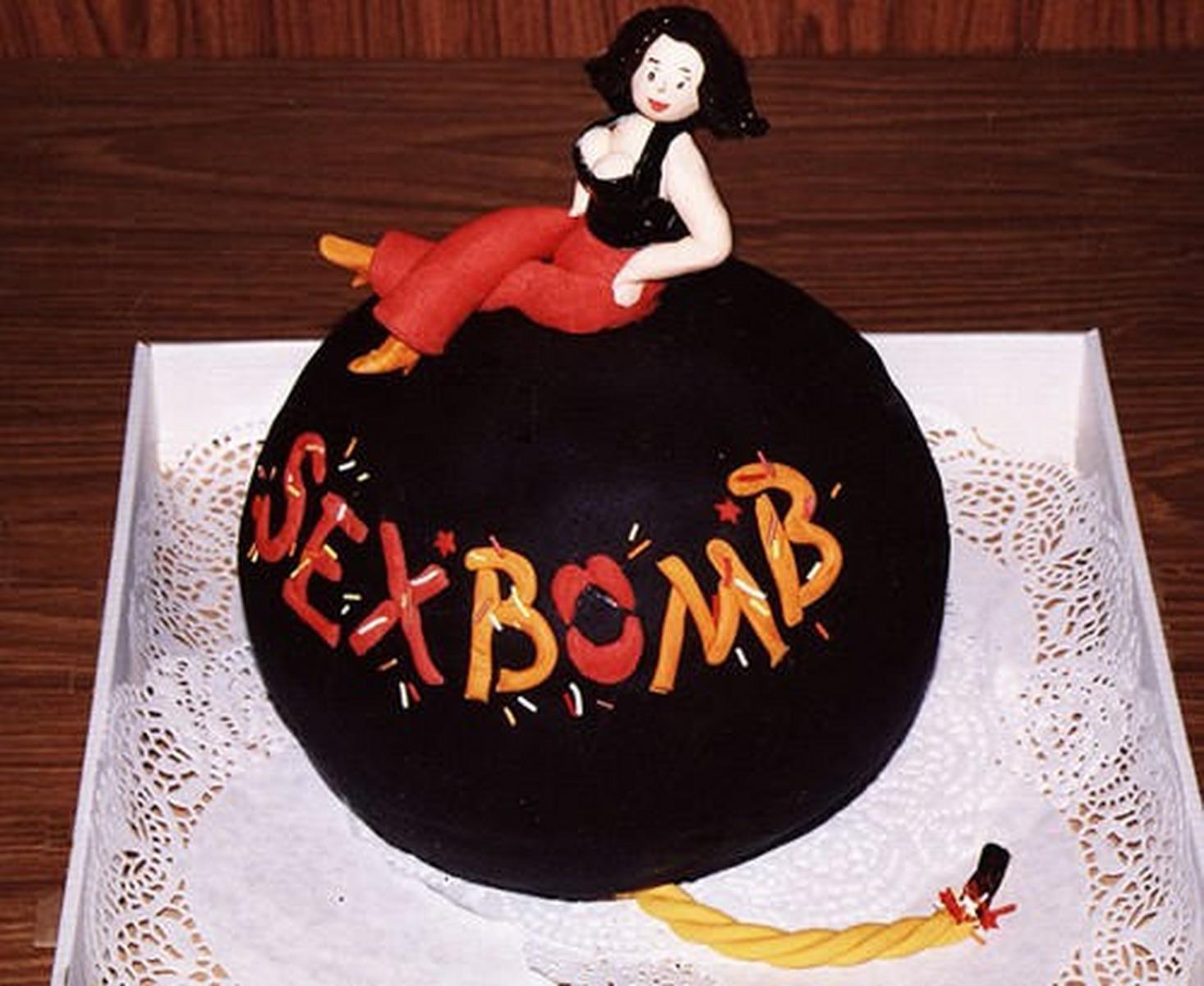 Торт Секс Бомба.